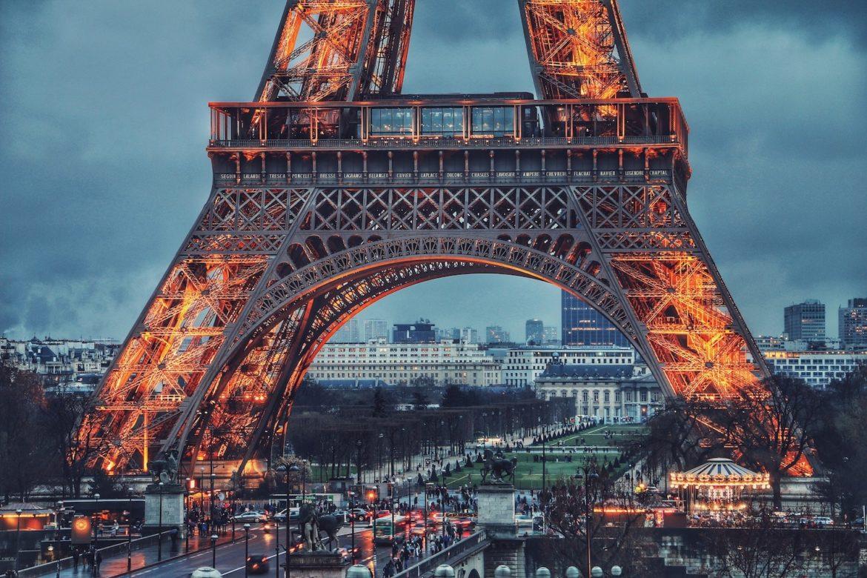 Walentynki w Paryżu. 5 najlepszych pomysłów na ten romantyczny dzień