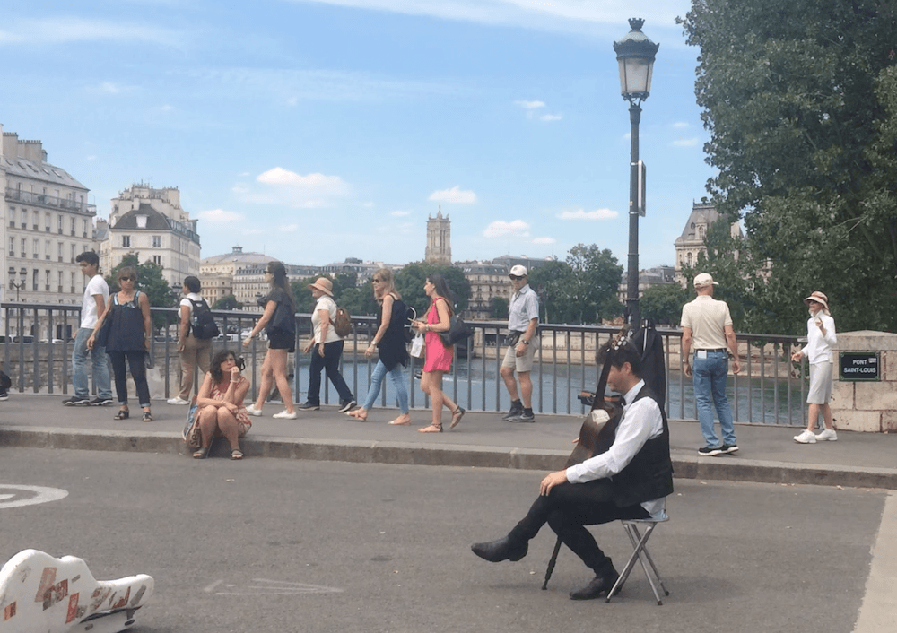 czy w paryzu jest drogo