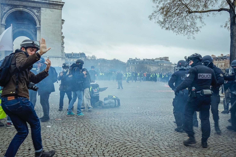 Francja i żółte kamizelki: czy wyjazd do Paryża jest bezpieczny?