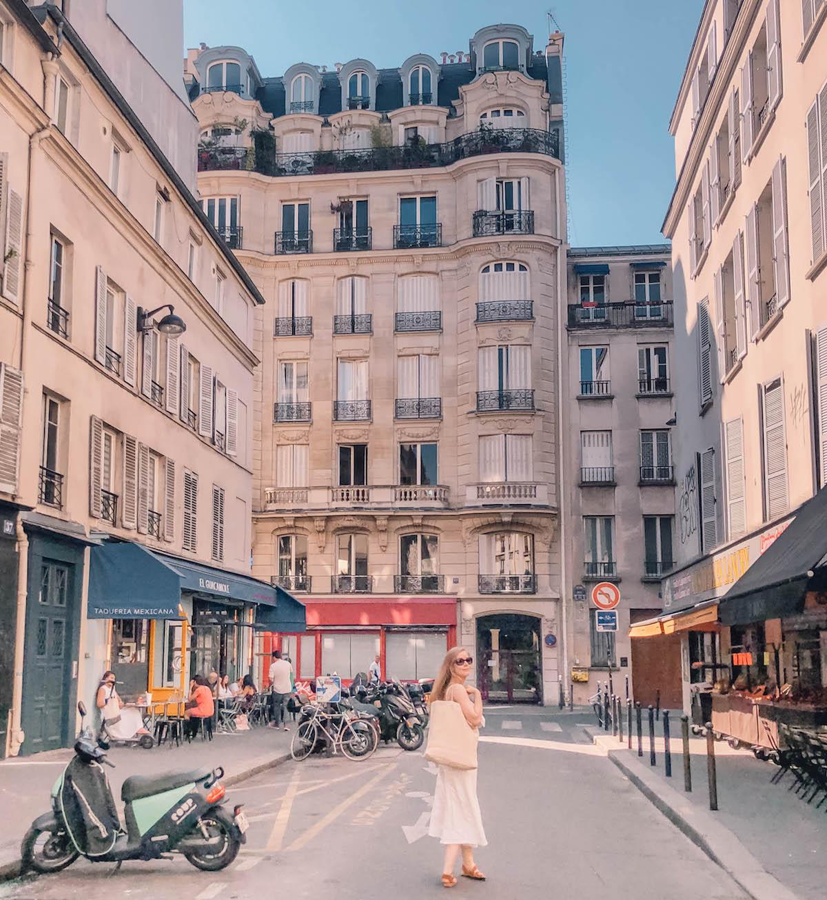 ulica w paryzu
